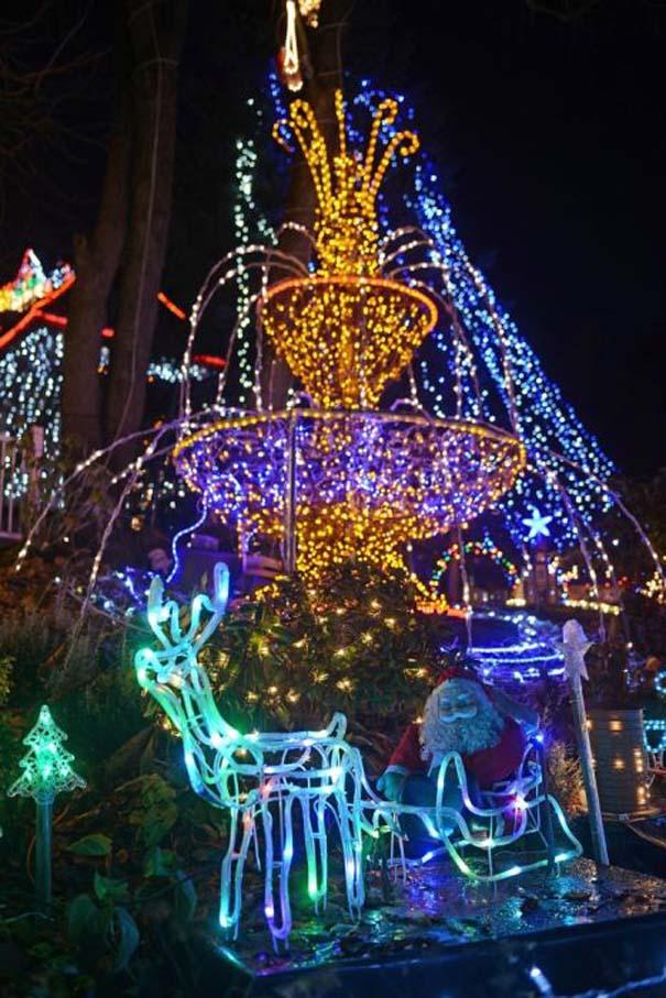 Στόλισε το σπίτι του με 450.000 χριστουγεννιάτικα λαμπάκια (6)