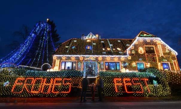Στόλισε το σπίτι του με 450.000 χριστουγεννιάτικα λαμπάκια (7)