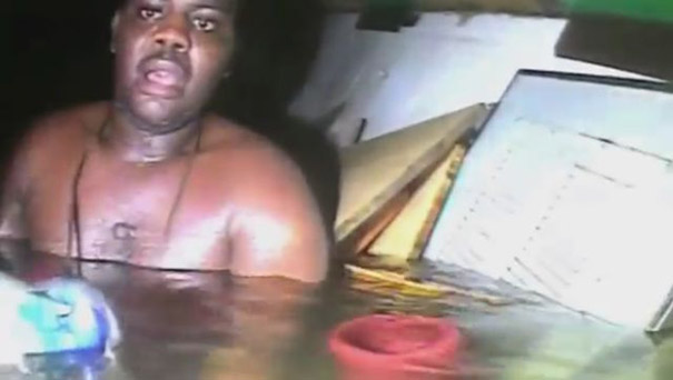Βρέθηκε ζωντανός μετά από τρεις μέρες μέσα σε βυθισμένο ναυάγιο