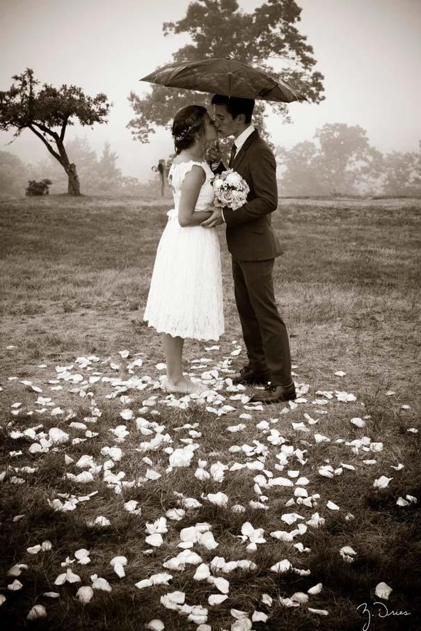 Ζευγάρια που μετέτρεψαν τον άσχημο καιρό σε υπέροχες γαμήλιες φωτογραφίες (3)