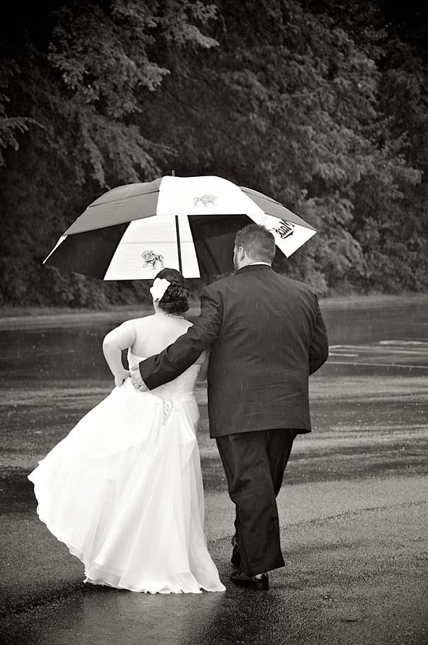 Ζευγάρια που μετέτρεψαν τον άσχημο καιρό σε υπέροχες γαμήλιες φωτογραφίες (7)
