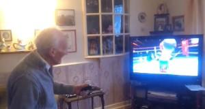 95χρονος παίζει Nintendo Wii (Video)
