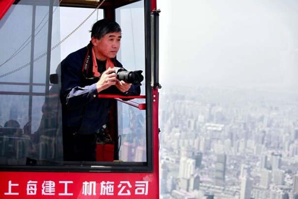 Χειριστής γερανού βγάζει απίστευτες φωτογραφίες από το 2ο ψηλότερο κτήριο του κόσμου (1)