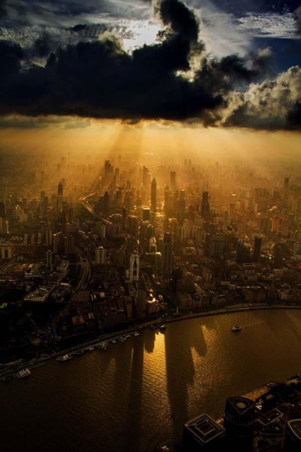 Χειριστής γερανού βγάζει απίστευτες φωτογραφίες από το 2ο ψηλότερο κτήριο του κόσμου (4)
