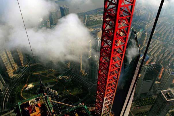 Χειριστής γερανού βγάζει απίστευτες φωτογραφίες από το 2ο ψηλότερο κτήριο του κόσμου (6)