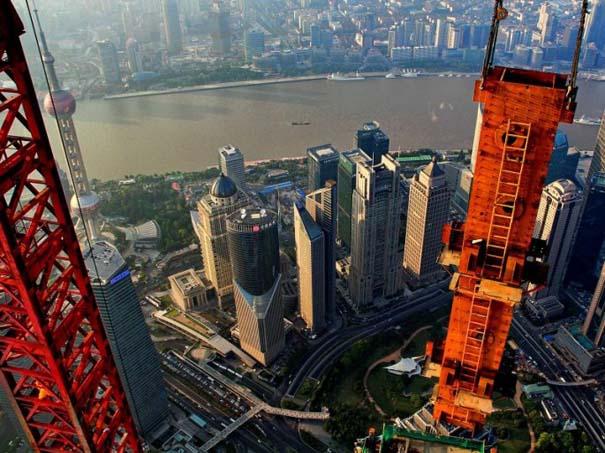 Χειριστής γερανού βγάζει απίστευτες φωτογραφίες από το 2ο ψηλότερο κτήριο του κόσμου (8)