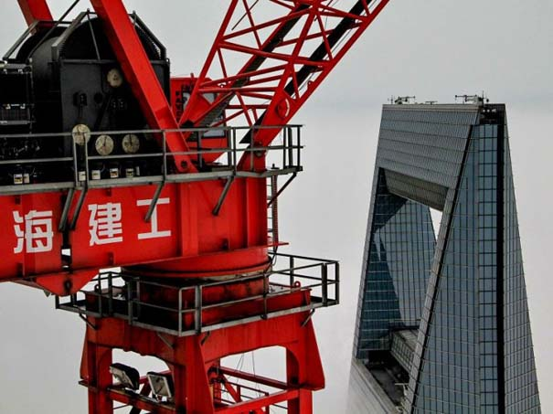 Χειριστής γερανού βγάζει απίστευτες φωτογραφίες από το 2ο ψηλότερο κτήριο του κόσμου (10)