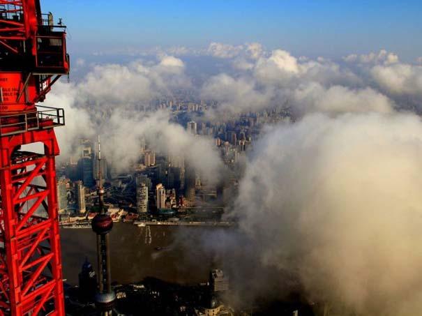 Χειριστής γερανού βγάζει απίστευτες φωτογραφίες από το 2ο ψηλότερο κτήριο του κόσμου (11)