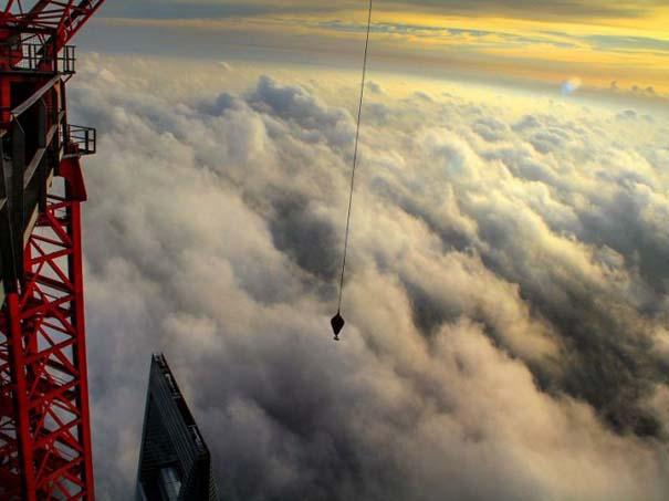 Χειριστής γερανού βγάζει απίστευτες φωτογραφίες από το 2ο ψηλότερο κτήριο του κόσμου (12)