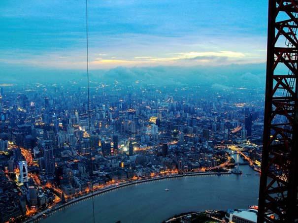 Χειριστής γερανού βγάζει απίστευτες φωτογραφίες από το 2ο ψηλότερο κτήριο του κόσμου (13)
