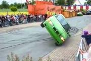 Απίστευτη οδήγηση στις 2 ρόδες