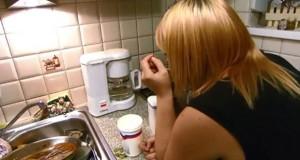 Η τραγική απόπειρα μιας ξανθιάς να φτιάξει καφέ φίλτρου (Video)