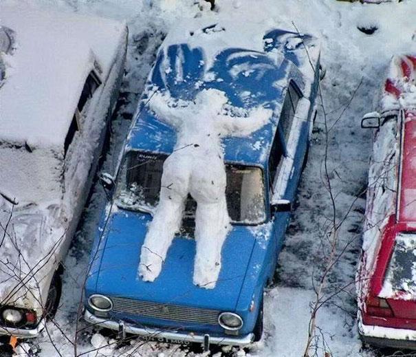 Αστείοι και δημιουργικοί χιονάνθρωποι (10)