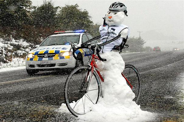 Αστείοι και δημιουργικοί χιονάνθρωποι (11)