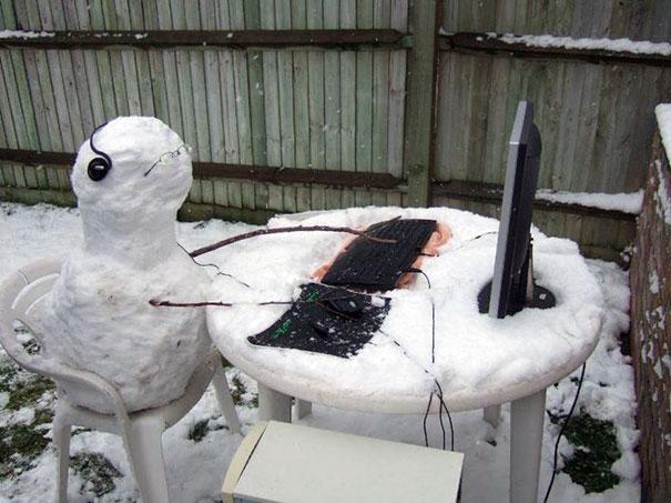 Αστείοι και δημιουργικοί χιονάνθρωποι (23)