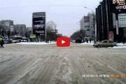 Η... ασυνήθιστη οδική βοήθεια για φορτηγά στη Ρωσία