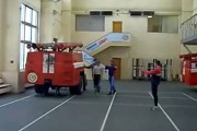 Δείτε τι κάνουν 2 πυροσβέστες σε 14 δευτερόλεπτα