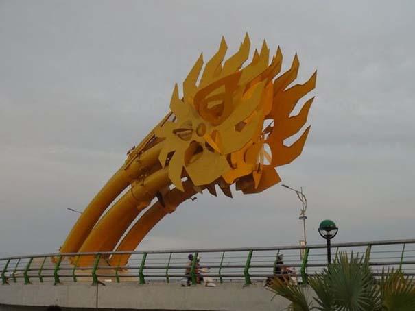 Dragon Bridge Vietnam (3)