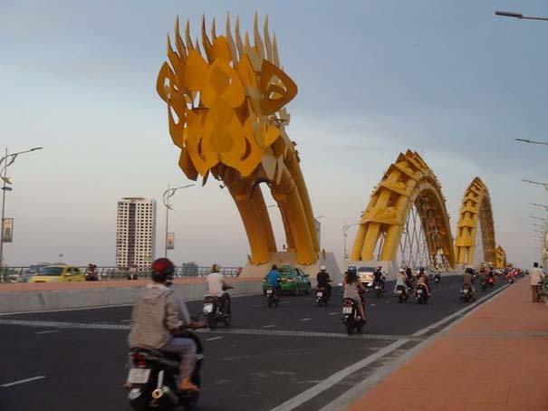 Dragon Bridge Vietnam (4)