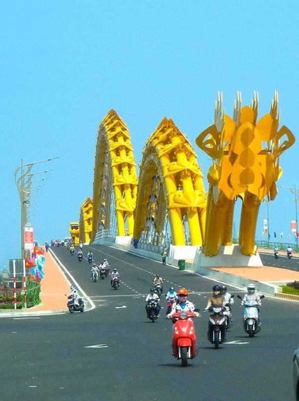 Dragon Bridge Vietnam (5)