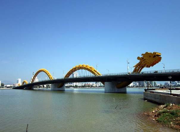 Dragon Bridge Vietnam (6)