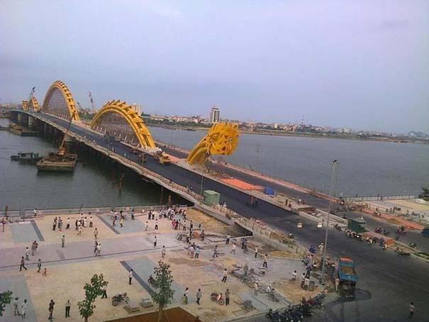 Dragon Bridge Vietnam (7)
