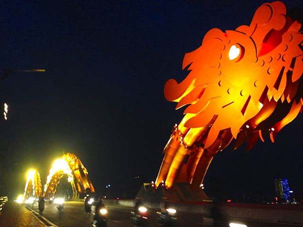 Dragon Bridge Vietnam (9)