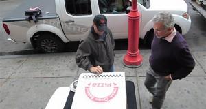 Φάρσα: Η δωρεάν πίτσα που κρύβει εκπλήξεις… (Video)