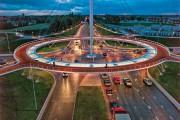 Εκπληκτική κυκλική γέφυρα στην Ολλανδία αποκλειστικά για ποδηλάτες
