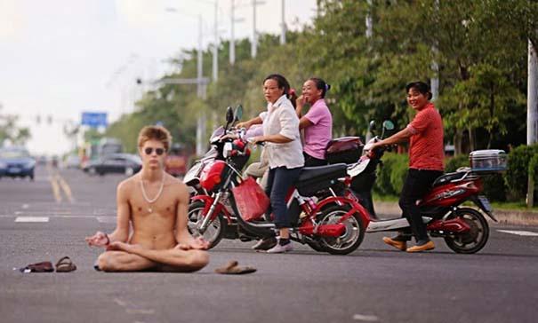 Εν τω μεταξύ, στην Ασία... (19)