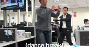 Η εταιρεία της κοπέλας που παραιτήθηκε με χορευτικό… απάντησε επίσης με χορευτικό! (Video)