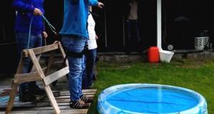 Ξεκαρδιστική φάρσα σε bachelor party: Γαμπρός νομίζει ότι πάει για bungee jumping (Video)
