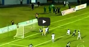 Μασέρ ομάδας απέτρεψε δύο γκολ και στη συνέχεια έτρεξε για τη ζωή του (Video)
