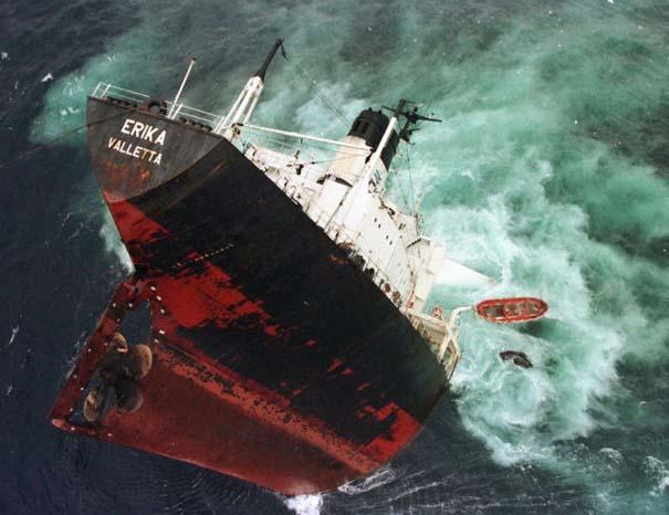 Συγκλονιστικές φωτογραφίες από καταστροφές μεγάλων διαστάσεων (12)