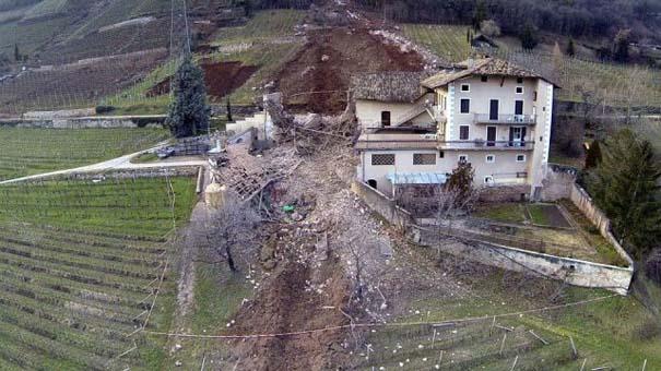 Γιγάντιος βράχος έσπειρε την καταστροφή στο διάβα του (4)
