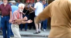 Ηλικιωμένοι χορεύουν House (Video)