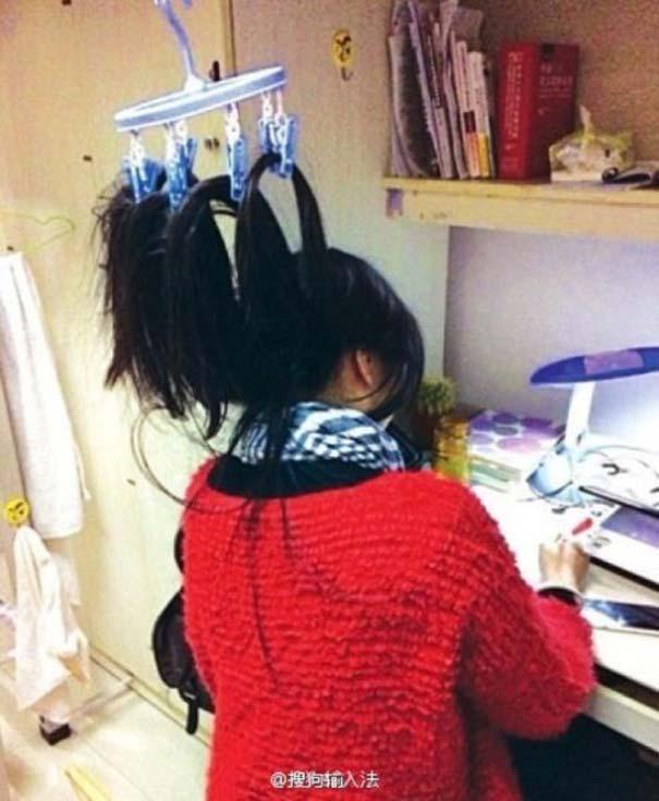 Κινέζοι φοιτητές βρήκαν έναν πολύ περίεργο τρόπο για να παραμένουν ξύπνιοι όταν διαβάζουν (9)