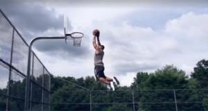 Ο «κοντός» που ήθελε πολύ να καρφώσει! (Video)