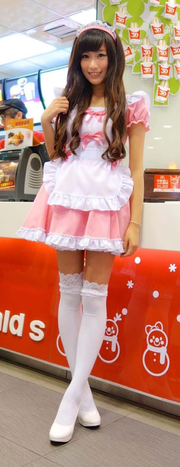 Τα κορίτσια των McDonald's στην Ταϊβάν (4)