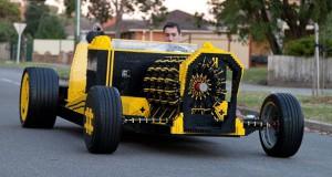 Λειτουργικό αυτοκίνητο από 500.000 τουβλάκια Lego (Video)