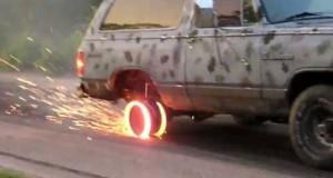 Το πιο υπερβολικό λιώσιμο ελαστικών αυτοκινήτου (Video)