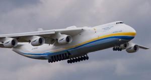 Δείτε το μεγαλύτερο αεροσκάφος στον κόσμο να απογειώνεται (Video)