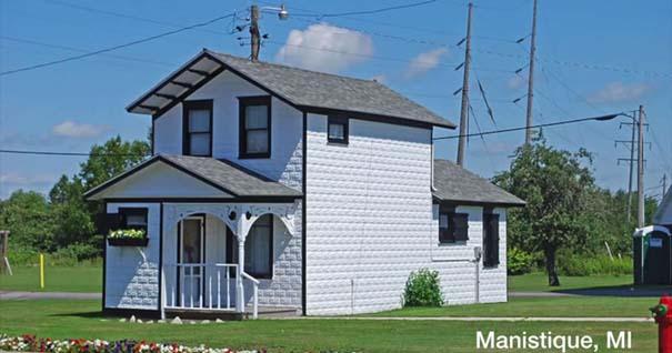 Μοιάζει με ένα απλό σπίτι, όμως είναι κάτι εντελώς διαφορετικό (9)