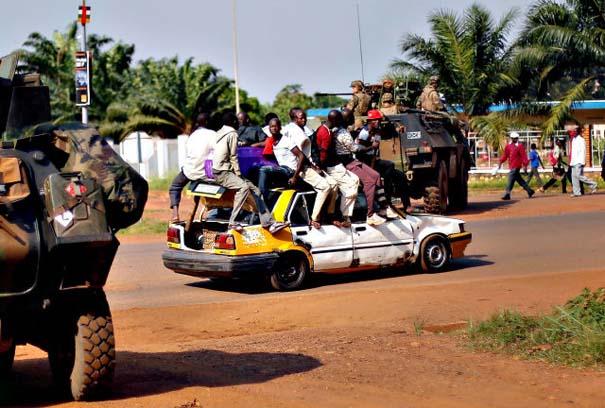 Μόνο στην Αφρική (3)