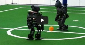 Δημιουργήθηκαν τα πρώτα αυτόνομα ρομπότ ποδοσφαιριστές (Video)
