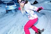 Η πραγματικότητα πίσω από μια χειμερινή φωτογράφιση μόδας | Otherside.gr