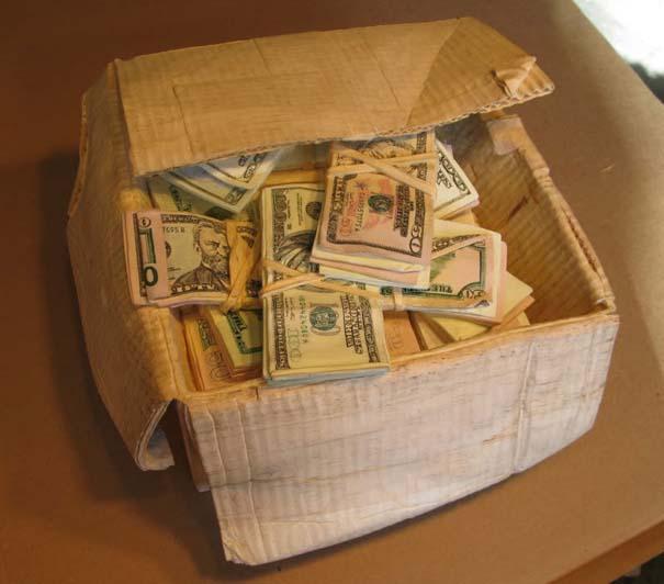Πως να μετατρέψετε ένα κομμάτι ξύλου σε κουτί γεμάτο λεφτά (13)