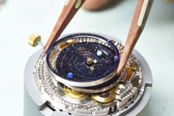 Ρολόι εμπνευσμένο από το πλανητικό σύστημα (5)