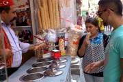 Απίστευτος τρόπος σερβιρίσματος παγωτού στην Τουρκία