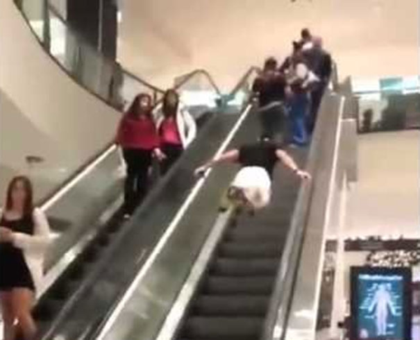 Ο Superman της κυλιόμενης σκάλας